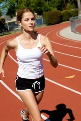 Mujer atlética y su respiración
