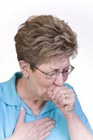 mujer con tos aguda