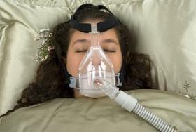 Mujer con apnea