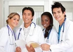 profesionales de la salud sonriendo